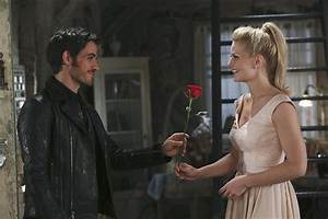 Emma and Hook Moments on Once Upon a Time | POPSUGAR ...