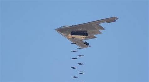 "B-2 ""Spirit"" Stealth Bomber: Cutting Edge Classic"