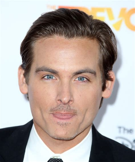 kevin zegers short straight formal hairstyle brunette