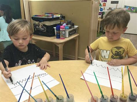 directed drawing lines mountain preschool 775 | Kids at Carmel Mountain Preschool draw