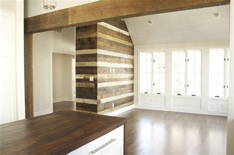 Reclaimed Wood Wall Accent!