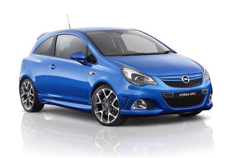 Opel Corsa Opc by Opel Corsa Opc Drive Opel Corsa Opc Blows In Goauto