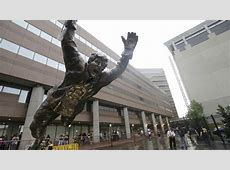 Bobby Orr statue will leap to new location near the TD