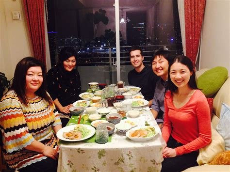 Tourists Offered A Rare Glimpse Of The Japanese Dining
