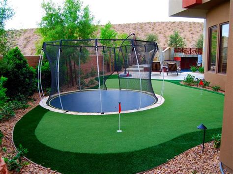 Putting Green For Backyard by Best 25 Backyard Putting Green Ideas On Golf