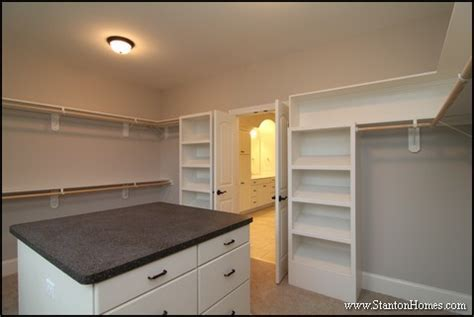 What is the Average Walk in Closet Size? [Closet Pictures