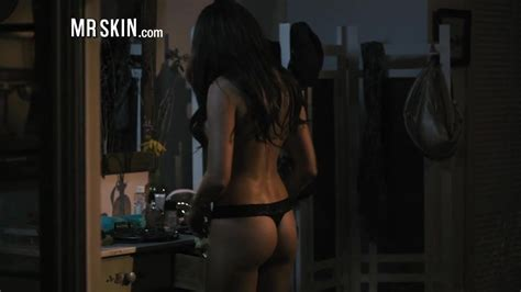 Hot Celebs Strip Naked And Show Off Their Amazing Asses