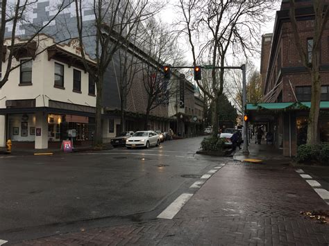 downtown olympia  holiday shoppers  gift