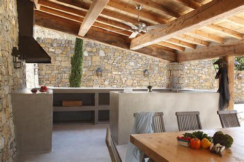 cuisine beton cire bois evier en béton ciré cuisine d extérieur en béton ciré