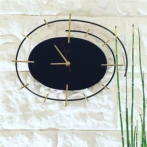 les 25 meilleures idees concernant horloge murale vintage With couleur qui va avec le bois 11 l horloge murale idees en photos pour decorez vos murs
