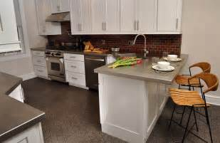 sur la table kitchen island plan de travail inox avantages et inconvénients de l
