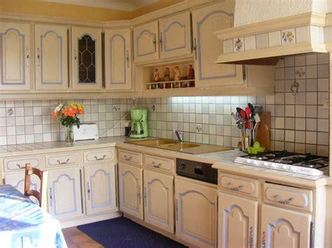 comment relooker une cuisine com moderniser cuisine rustique chaios com