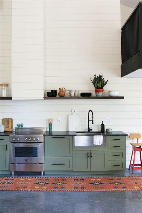 benjamin green kitchen best 20 green cabinets ideas on green kitchen 4418