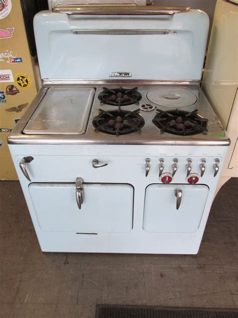 America's #1 site for restored vintage antique stoves and
