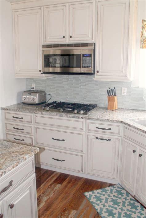 kitchens with backsplash best 25 cabinets ideas on brown 3573