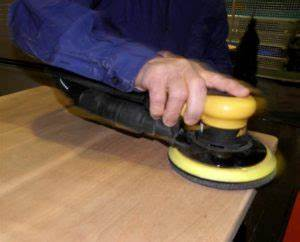 Holz Schleifen Maschine : holz richtig schleifen grundregeln natural aktuell ~ Watch28wear.com Haus und Dekorationen