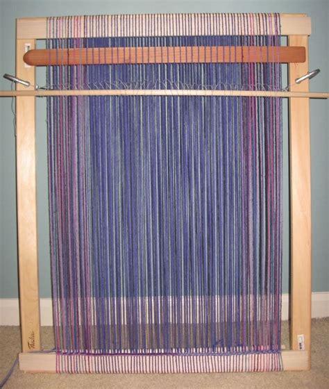building  frame loom     weaving