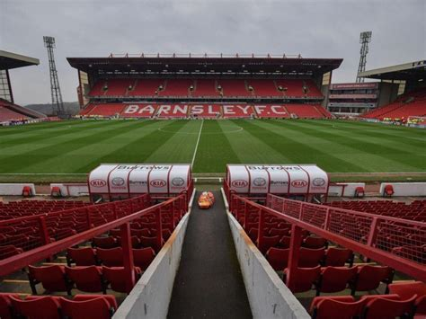 Barnsley sign highly-rated Derby County winger Luke Thomas ...