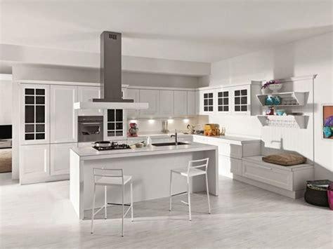 chaises hautes pour cuisine aménager une cuisine design avec ilot central