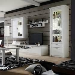 wohnzimmer schrankwand landhausstil wohnwand landhausstil weiß