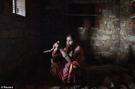 Photos Show Year Old Indian Girl S Struggle To Raise Baby In Poverty As Husband Drinks To