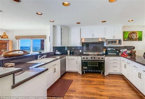 Jeremy Piven Slashes Price On Malibu Property After Sex