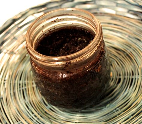Used coffee grounds may not make a decent cup of coffee, but they've been there, done that. Something to do with Used Coffee Grounds | Testing Remedies