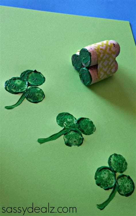 148 best images about ireland and st s day 618 | d0bd710eb3c5cd3fe5d8a81db41b1c43 wine corks st patrick's day