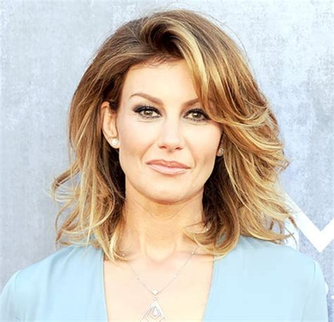 Faith Hill Shows Off Pixie Hairstyle at CMA Awards 2014