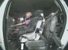 siege auto vers l avant protection des occupants de sièges d 39 enfant orientés vers