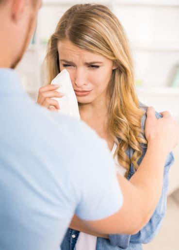 tidak jadi wanita  mudah menangis  pacaran