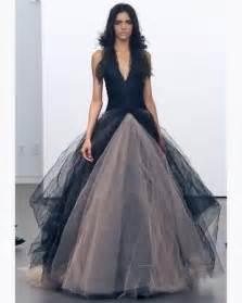 robe originale pour mariage créateur vera wang robe de mariée décolletée jupe en tulle endroits à visiter