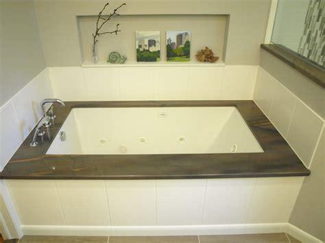 Under Mount Tub   Elegant Brown   Transitional   Bathroom