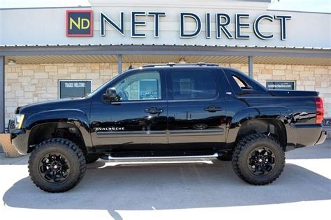2012 Chevrolet Avalanche Lt Z71 Lifted 4x4  Fort Worth