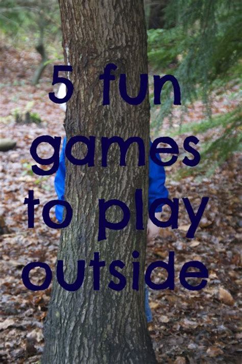 what is a fun game to play at christmas with family outdoor for