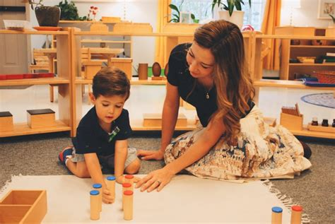 montessori  advantages  mixed age classrooms