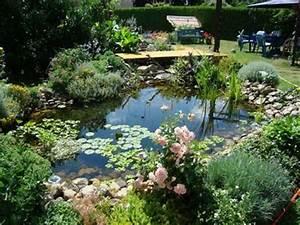 Kleiner Gartenteich Anlegen : die 25 besten ideen zu kleiner gartenteich auf pinterest ~ Michelbontemps.com Haus und Dekorationen