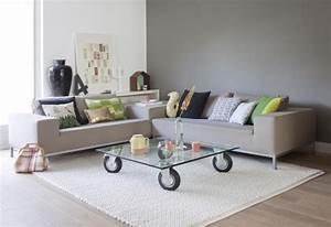ikea salon 50 idees de meubles exquises pour vous With tapis rouge avec canapé à roulettes