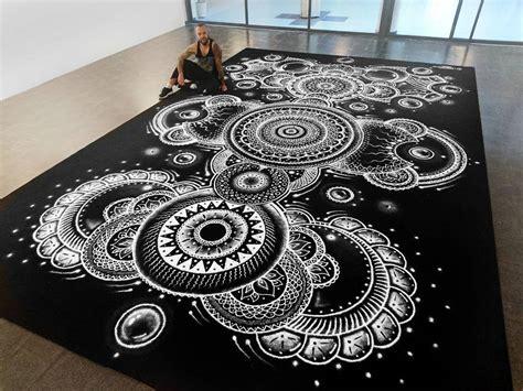ces incroyables dessins realises avec du sel revelent