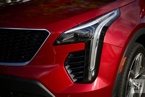 cadillac xt  drive pictures specs pricing