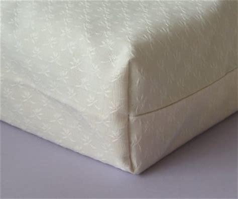 recouvrir un canape d angle modèle couture coussin
