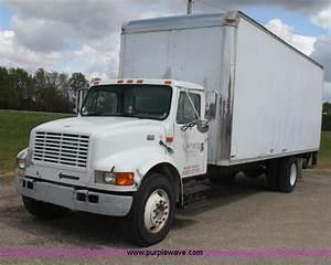 2000 International 4700 Box Truck