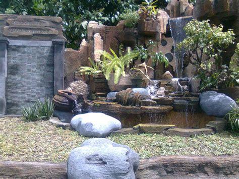 jasa kolam ikan taman hias gazebobatu sikat relief