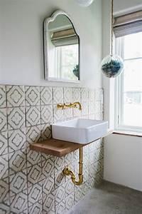 Badezimmer Retro Look : a surf inspired house in charleston sc for barefoot living remodelista ~ Orissabook.com Haus und Dekorationen