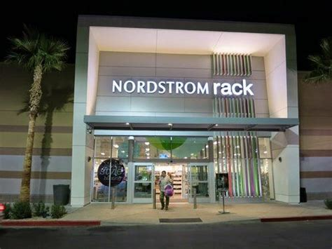 nordstrom rack brentwood nordstrom rack apologizes to three american