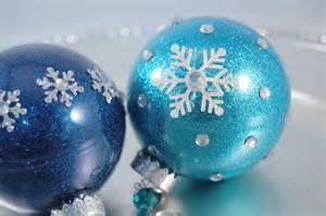 the secret to coating the inside of a clear ornament with glitter not glue use floor cleaner
