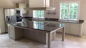 Plan De Travail Granit : plan de cuisine en granit cuisine naturelle ~ Dailycaller-alerts.com Idées de Décoration