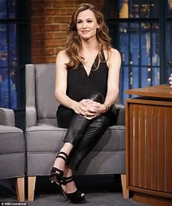 Jennifer Garner offers parenting advice to Seth Meyers on ...
