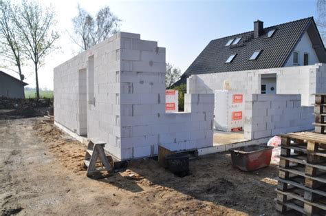 Neubau Oder Altbau So Finden Sie Die Passende Immobilie by Neubau Vs Sanierung Selbstbetrug Bei Den Kosten Im