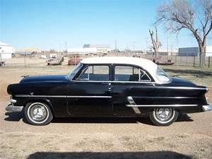 1953 Ford Customline 4-door